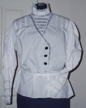 Blouse with inserted lace